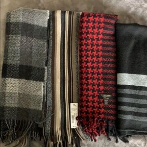 Set of 4 men's scarves